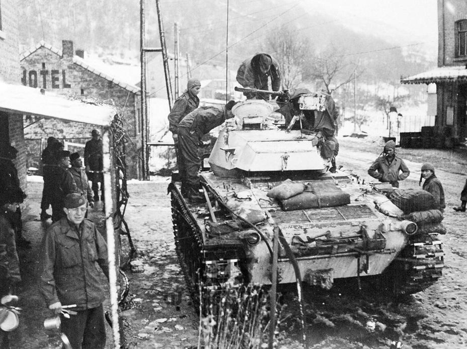 Знакомство с новинкой, конец 1944 года - Лёгкий и долгоиграющий   Warspot.ru