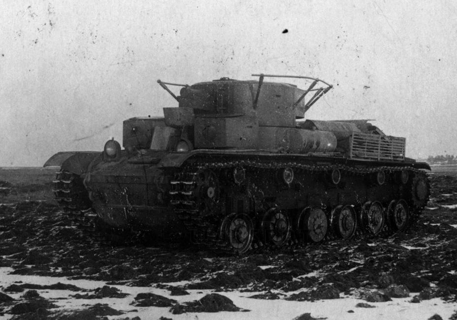 Этот Т-28 использовался как тестовая лаборатория для отработки подвески для тяжёлого танка СМК - Теория бронетанковых заблуждений | Warspot.ru