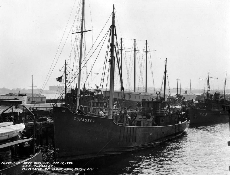 ​Американский траулер «Кохассет». Источник: U.S. Navy Bureau of Ships Photograph BS-32348, National Archives and Records Administration, Still Pictures Branch, College Park, Md - Дуэль у мыса Гаттерас | Warspot.ru