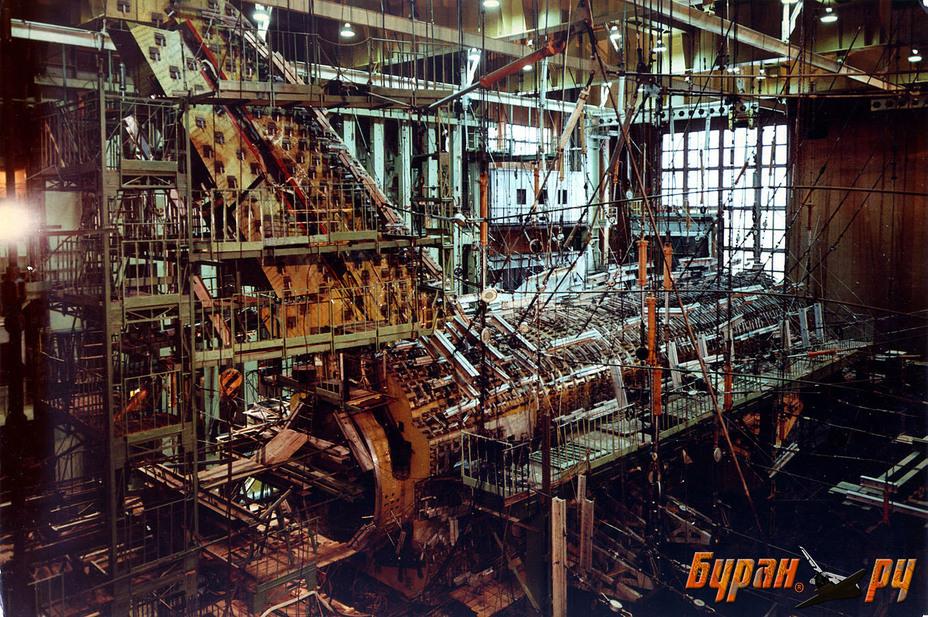 Лаборатория статических прочностных испытаний, предназначенная для проведения статических прочностных и ресурсных испытаний планера корабля «Буран» (ОК-М, изделие 0.01) buran.ru - Полёт «Бурана» | Warspot.ru