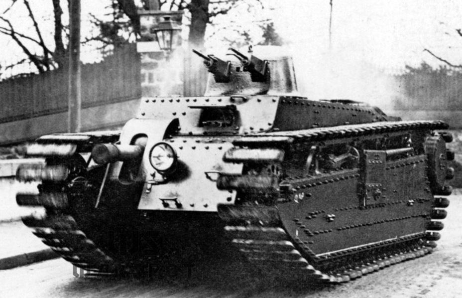 Schneider-Renault SRA, один из участников программы Char B. На тот момент это была больше штурмовая САУ, чем танк, причём боевая масса превысила массу в техзадании на 5 т - Колосс на глиняных ногах | Warspot.ru