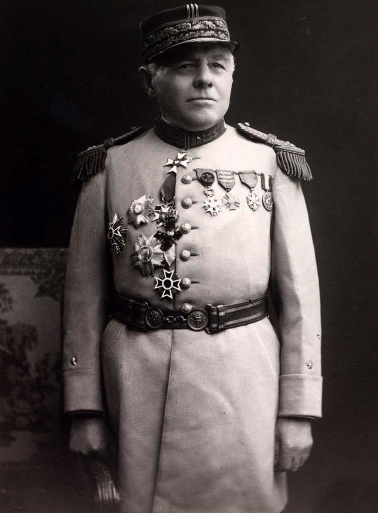 Генерал Эстьен, отец французского танкостроения. В своё время идеи Эстьена были революционными, но позже генерал стал одним из тех, кто загнал французское танкостроение в тупик - Колосс на глиняных ногах | Warspot.ru