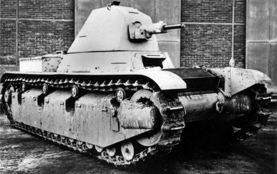 Опытный образец AMX 38. По итогам «накачивания» генералом Келлером характеристик вооружения и броневой защиты боевая масса финального варианта составила бы не менее 20 т. И это лёгкий танк! - Колосс на глиняных ногах | Warspot.ru