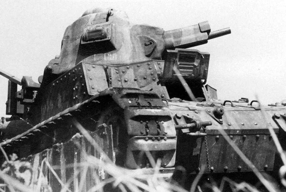 Как показал опыт боёв мая-июня 1940 года, наиболее эффективным калибром танковых орудий стал 47 мм. В результате устаревший Char D1 выглядел более выигрышно, чем французские танки нового поколения - Колосс на глиняных ногах | Warspot.ru