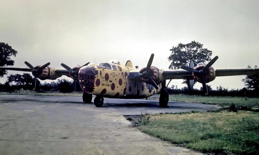 B-24D «The Little Gramper» с серийным номером 42-40722. Жёлтый в красный горошек сборщик 491-й бомбардировочной авиагруппы был одним из самых ярких кораблей - Весёлые картинки Warspot: козлы-провокаторы и горошек | Warspot.ru