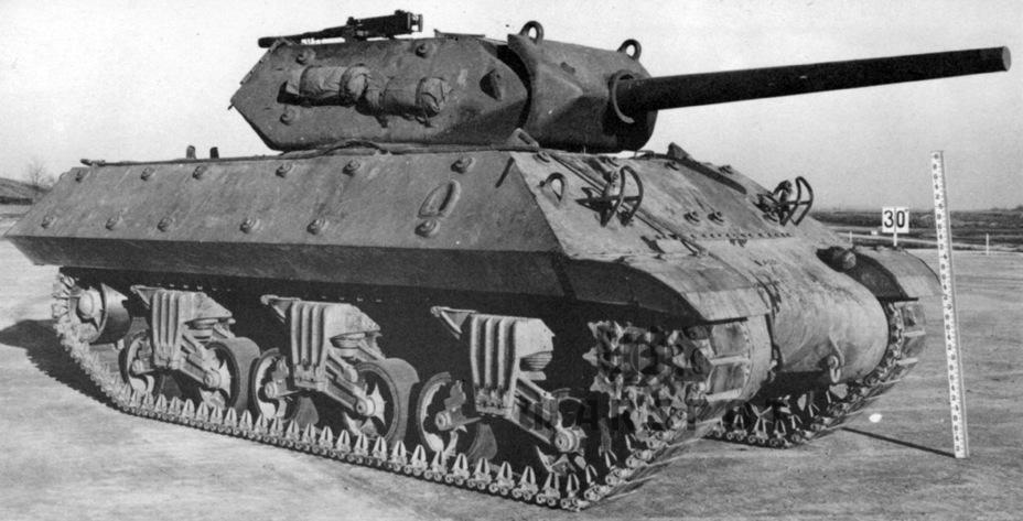 Первый серийный образец GMC M10A1 был построен в октябре 1942 года. Как и первые M10, данные машины не имели противовесов на корме башни - Средний истребитель по-американски | Warspot.ru