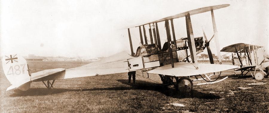 Популярные самолёты-разведчики начала войны: британский RAF B.E.2 и французский «Кодрон» G.3 (на заднем плане) - Глаза и уши западного фронта   Warspot.ru