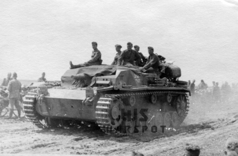 Традиционно в список немецких танков не вписывают самоходную артиллерию и абсолютно зря: летом 1941 года немецкая армия обладала сотнями образцов самоходной артиллерии, которые часто представляли большую опасность для советских танков - Теория бронетанковых заблуждений: первые годы Великой Отечественной | Warspot.ru