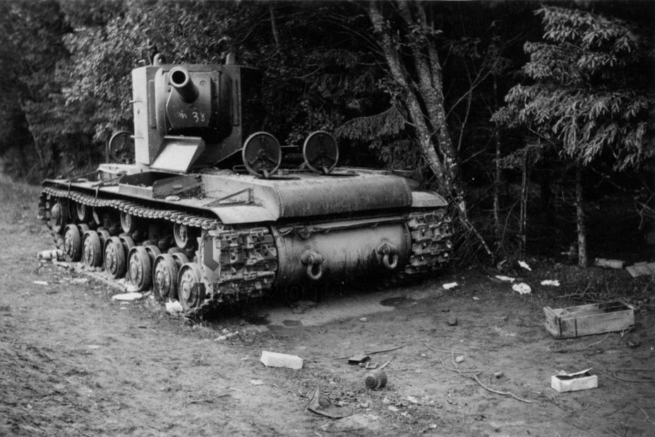 КВ-2 часто терялись из-за механических поломок. Это стало результатом существенной перегрузки шасси - Теория бронетанковых заблуждений: первые годы Великой Отечественной | Warspot.ru