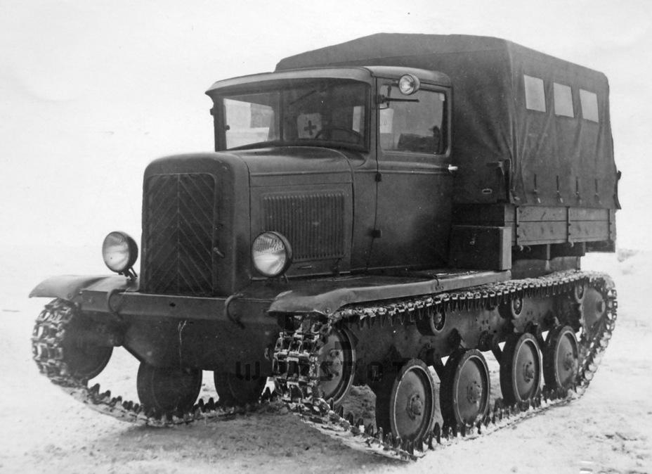 Тягач ГАЗ-22 на шасси Т-40, начало 1941 года. Одной из причин провала испытаний этой машины стал не подходивший для подобных целей двигатель - Теория бронетанковых заблуждений: первые годы Великой Отечественной | Warspot.ru