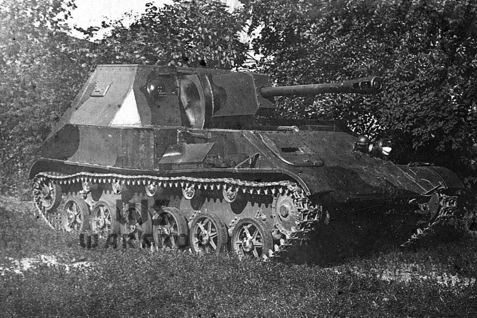 По мнению ГАУ КА, лучший артиллерийский тягач военного периода — это САУ. СУ-32 была разработана по требованиям, которые появились ещё в конце 1941 года - Теория бронетанковых заблуждений: первые годы Великой Отечественной | Warspot.ru