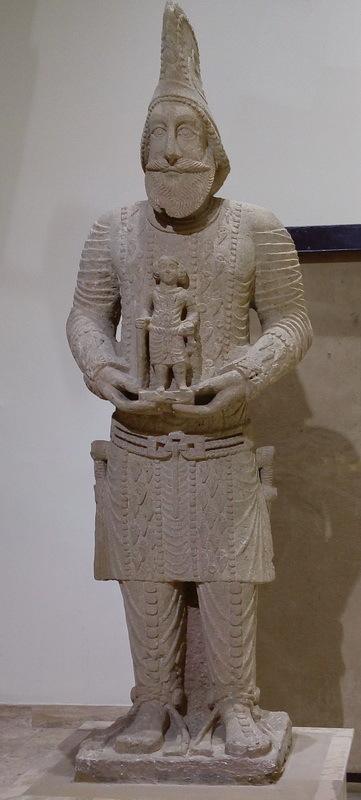 Статуя правителя Хатры, III–II века до н.э. commons.wikimedia.org - Парфянская война Северов | Warspot.ru