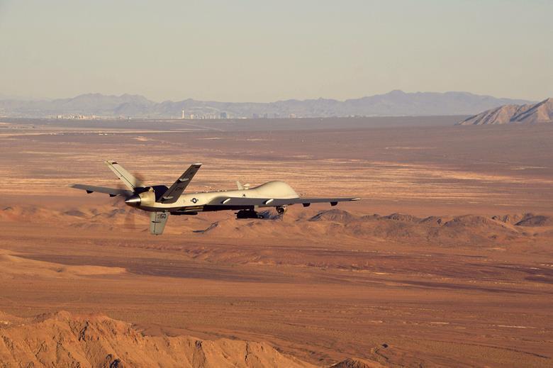 Беспилотник MQ-9 Reaper flightglobal.com - Беспилотники будут «шептаться» со спутниками | Warspot.ru