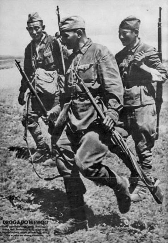 На обложке журнала Ilustrowany Kurier Polski были изображены сдающиеся в плен советские солдаты азиатского происхождения - Пиарщики вермахта | Warspot.ru