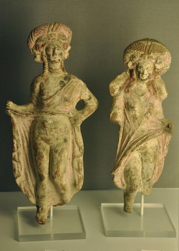 Терракотовые статуэтки жриц любви из Александрии, II–I века до н.э. Музей Аларда Пирсона, Амстердам. Фото автора