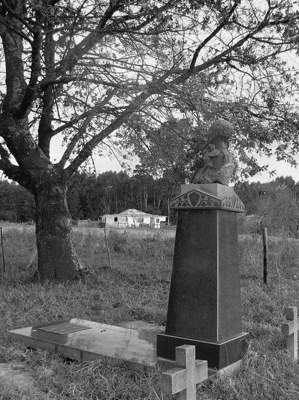 Могила вождя Сандиле в Аматольских горах. Источник: Keith Smith. The Wedding Feast War: The Final Tragedy of the Xhosa People. — Frontline Books, 2012