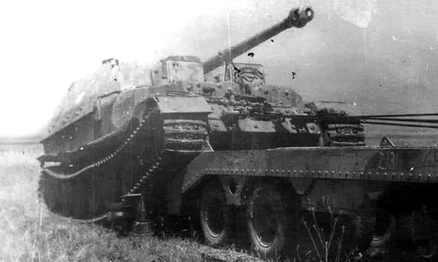 Эвакуация тяжёлой немецкой техники была для Союзников сложным занятием, так как специальных тягачей для транспортировки 70-тонных машин они не имели - Слоны Фердинанда Порше в неволе | Warspot.ru