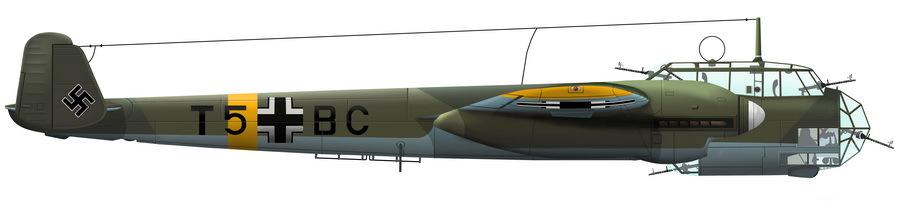 «Дорнье» Do 215В-3 W.Nr.0068 «Т5+ВС» из состава эскадрильи стратегической разведки 1./O.b.d.L., принадлежавшей знаменитой «команде полковника Ровеля», на месте аварийной посадки в районе Малоярославца. Экипаж в составе командира корабля наблюдателя лейтенанта Йоахима Бабика (J. Babick), пилота фельдфебеля Фердинанда Штиххаллера (F. Stihhaller), радиста унтер-офицера Кристиана Штирнвайса (C. Stirnweis) и бортмеханика фельдфебеля Вальтера Крамера (W. Kramer) попал в плен. Художник Алексей Валяев-Зайцев - Охотники за разведчиками | Warspot.ru