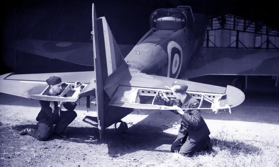 «Дефиант» 264-й эскадрильи с серийным номером L6957 и бортовым кодом «PS-T» после возвращения из боя 29 мая 1940 года - Летающие башни, или наследники ган-басов | Warspot.ru