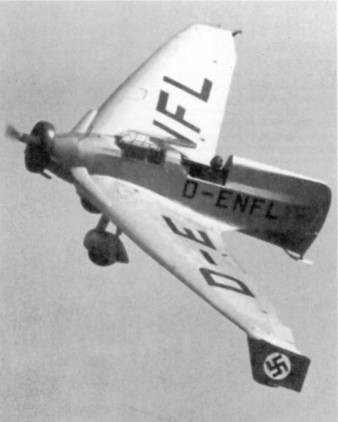 Немецкий экспериментальный самолёт Delta IVc (DFS 39) в полёте под управлением испытателя Хайни Диттмара reddit.com - Смертоносные «Кометы» | Warspot.ru