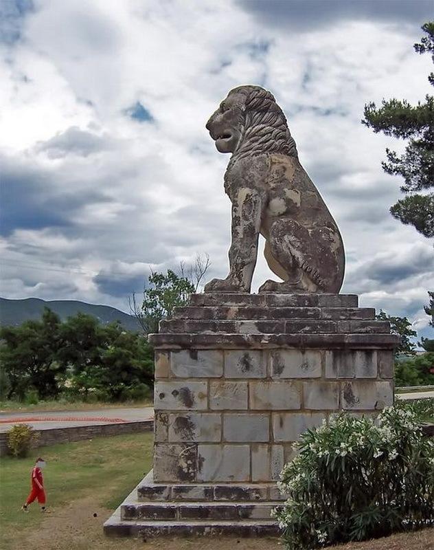 Херонейский лев — памятник Священному отряду, сооружённый на месте его гибели. pinterest.com - Священный отряд из Фив | Warspot.ru