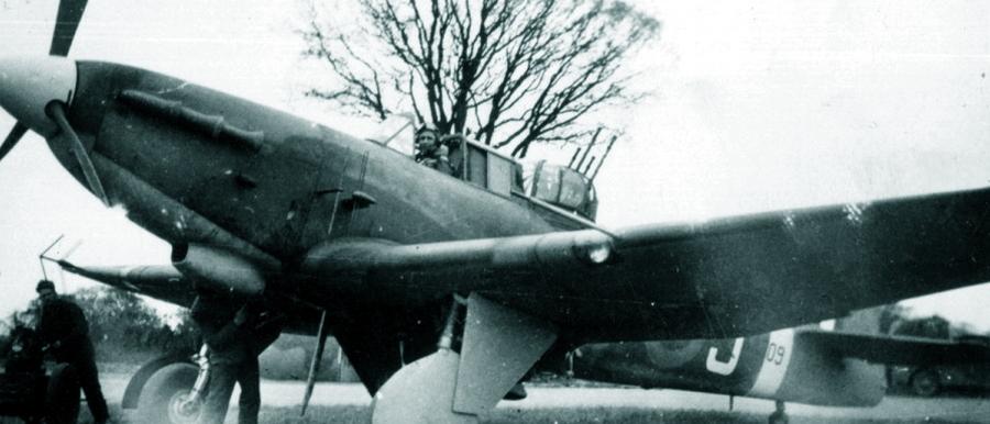 Самолёт с серийным номером AA309 из состава 278-й эскадрильи. Ранее этот Mk.IA использовался в 96-й эскадрилье, и при передаче в поисково-спасательную авиацию он сохранил бортовой локатор. Подкрыльевые держатели на момент фотографирования отсутствовали - Новые роли турельного неудачника   Warspot.ru
