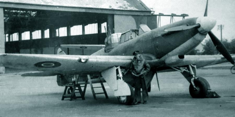 «Дефиант» Mk.I с серийным номером AA394 из состава 277-й эскадрильи, 1943 год. Подкрыльевые держатели опять отсутствуют - Новые роли турельного неудачника   Warspot.ru