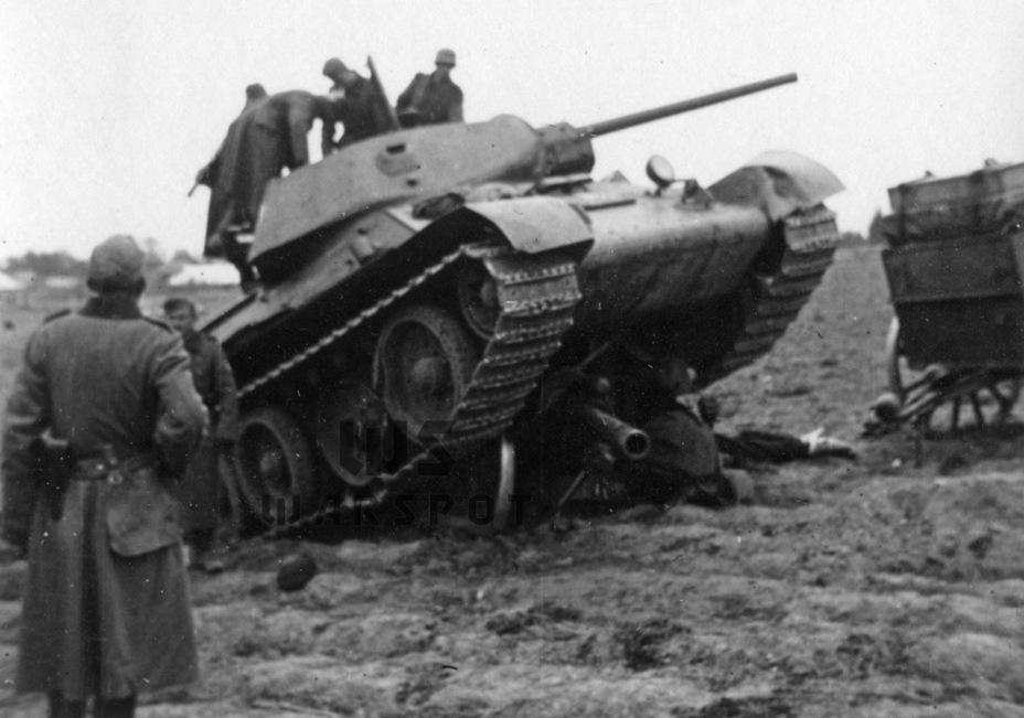 Несмотря на не самую высокую эффективность применения советских танков в 1941 году, уже осенью немцы в полной мере «заметили» Т-34 - Рабочая лошадка Красной армии | Warspot.ru