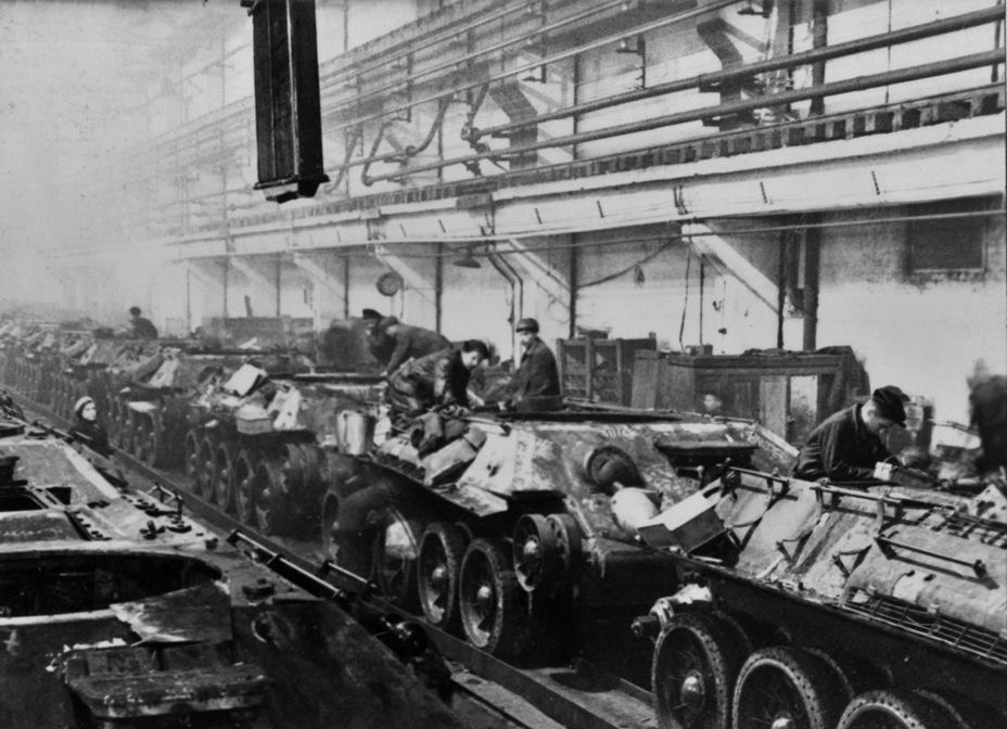 За счёт упрощений удалось существенно повысить объём выпуска Т-34 - Рабочая лошадка Красной армии | Warspot.ru