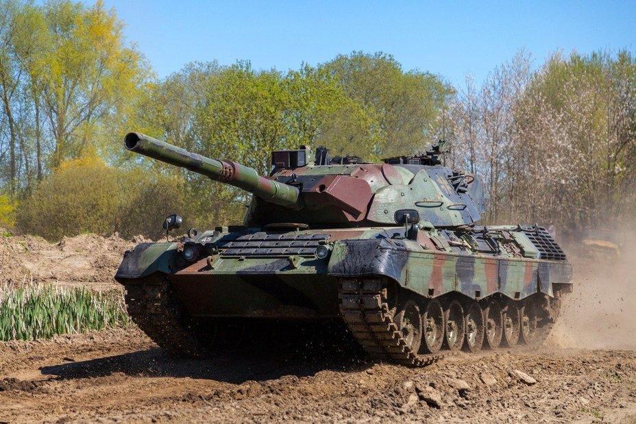 Танк Leopard 1 nato.int - В НАТО рассказали о заработке на списанных танках Leopard 1   Warspot.ru