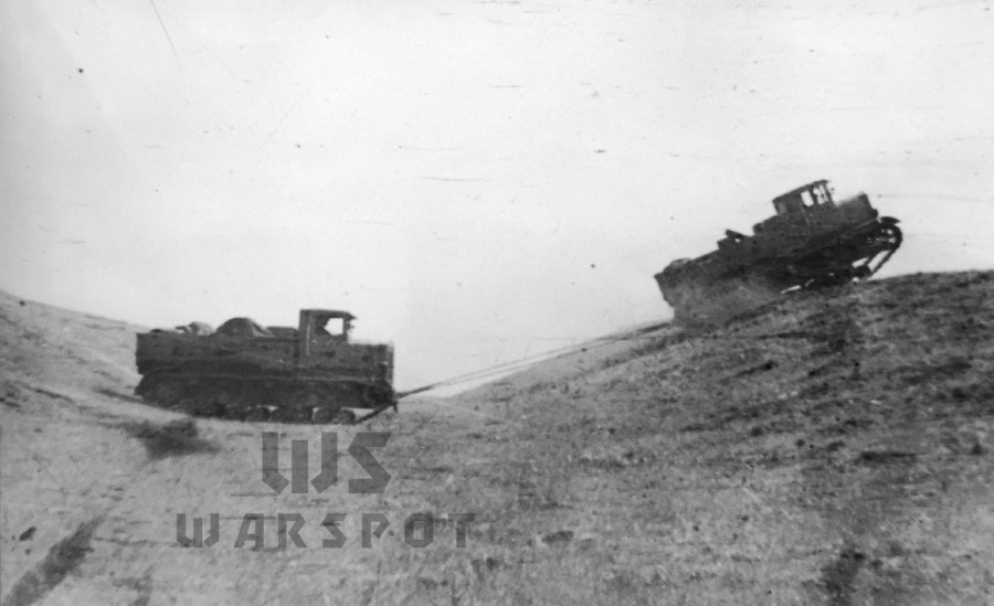 Глубокая балка с коротким подъёмом в 29° преодолена на 1-й передаче - Сердце «тридцатьчетвёрки» на тракторе  | Warspot.ru
