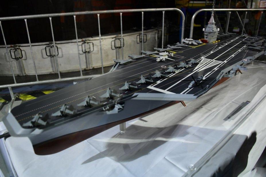 Масштабный макет перспективного авианосца creusot-infos.com - Франция построит новый атомный авианосец | Warspot.ru