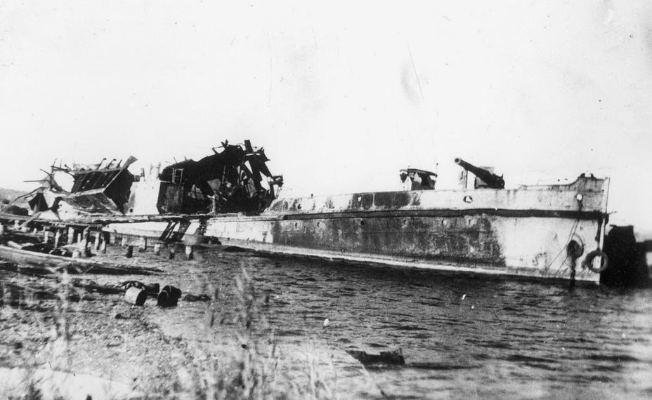 Однотипная с канонеркой «Днестр» лодка «Дон», взорванная в Темрюке в августе 1942 года. После войны восстановлена и введена в строй - Керченско-Феодосийская операция на Азовском побережье: встречный бой у Аджимушкая | Warspot.ru