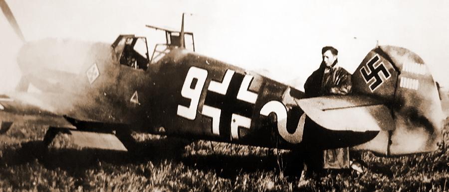 Фельдфебель Эдмунд Россман у своего Bf 109F-4 с 14 отметками побед на руле, 7 сентября 1941 года. Судя по всему, именно его атака была фатальной для советского лётчика, 20 минут сражавшегося с Германом Графом - Самый тяжёлый бой Германа Графа | Warspot.ru