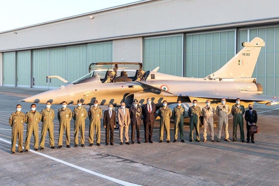 Истребитель Dassault Rafale ВВС Индии defensenews.com - Франция предложила Индии сборку истребителей Rafale | Warspot.ru