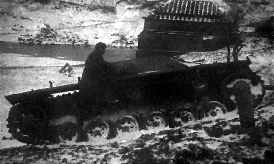 Немецкое штурмовое орудие StuG III, подбитое артиллеристами-противотанкистами - «Горячий снег» под Цибулевом | Warspot.ru