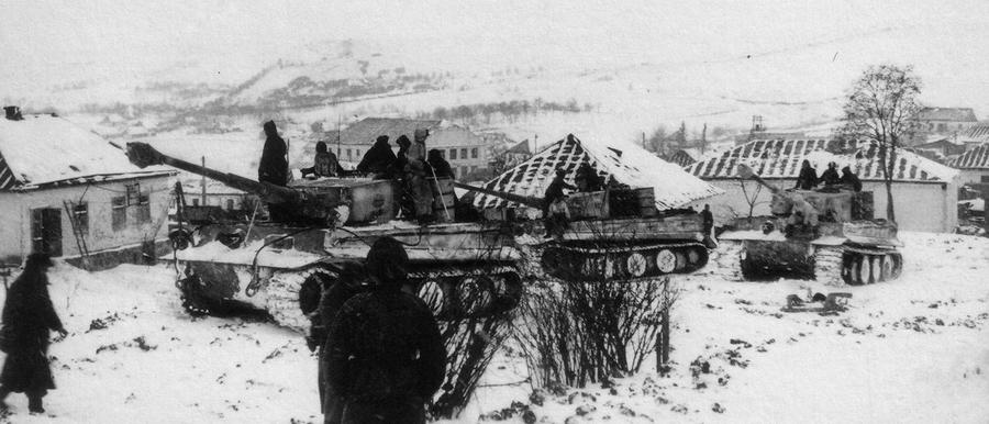 Немецкие танки Pz.Kpfw.VI «Тигр» в поселке Буки Черкасской области - «Горячий снег» под Цибулевом | Warspot.ru