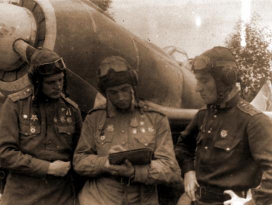 Летчики 5-го гвардейского истребительного авиаполка Георгий Баевский, Виталий Попков и Евгений Яременко - «Тот факт, что я убил женщину, стал для меня тяжёлым ударом…»   Warspot.ru
