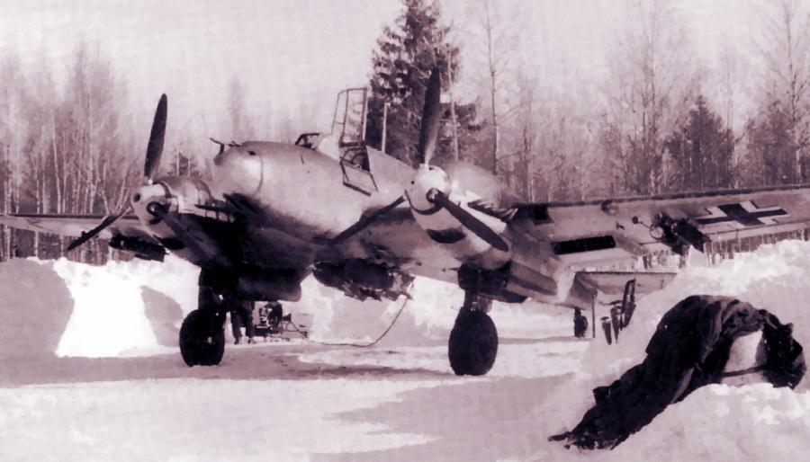Тяжёлый истребитель «Мессершмитт» Bf 110 из авиагруппы II./ZG 26. Аэродром Дугино, январь-февраль 1942 года - Поломанные крылья вяземского десанта | Warspot.ru