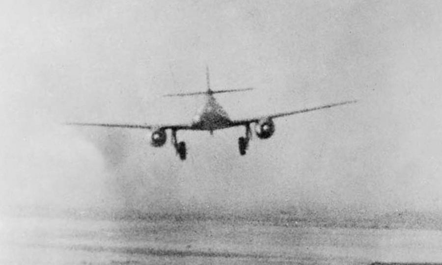 Заходящий на посадку Me 262 в прицеле «Тандерболта» - Цвета военного неба: убийцы свистящих монстров | Warspot.ru