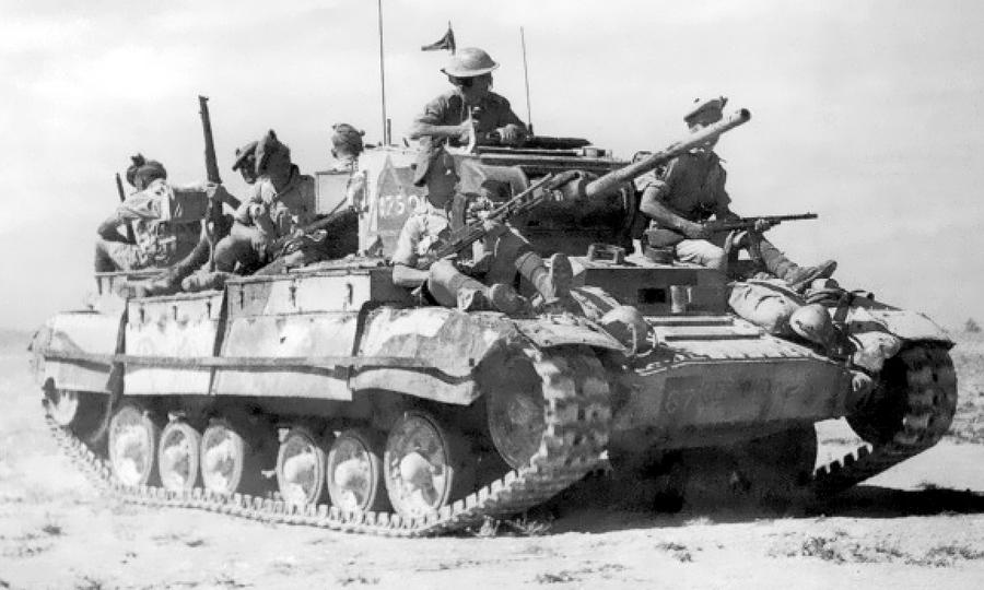 Британская пехота на броне «Валентайна» в африканской пустыне - «Валентайн», британский принц пустыни | Warspot.ru