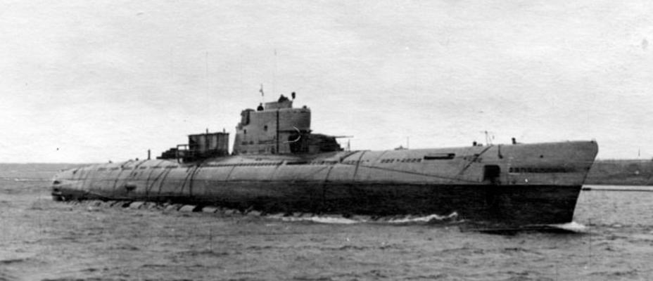 Подводная лодка Б-62 проекта 611 во время похода; осень 1954 года deepstorm.ru - Гроза над океаном   Warspot.ru