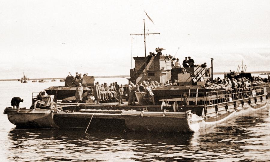 Паром «Зибель» №26 уже как ДБ-51 Ладожской флотилии - Фиаско флотилии «Зибелей»   Warspot.ru