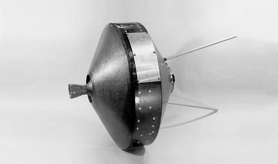 Американский лунный зонд Pioneer I; 1958 год. NASA nasa.gov - Похитители «Луны»   Warspot.ru