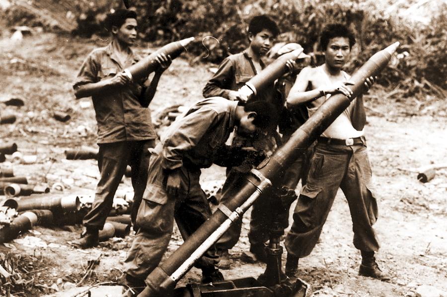 Лаосский миномётный расчёт у вьетнамской границы, 1960-е гг. - Схватка за незаметную страну | Warspot.ru