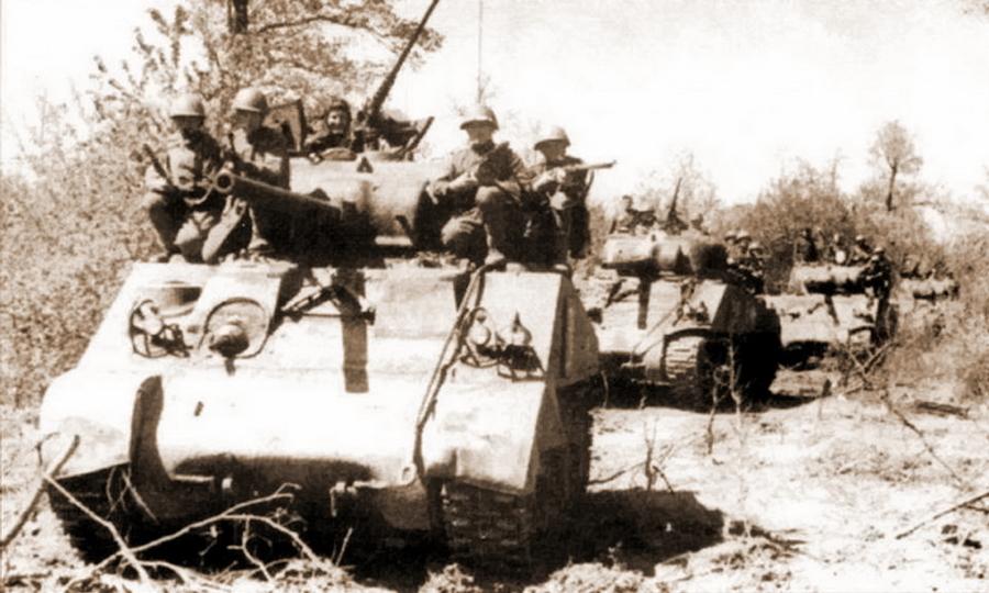 «Шерманы» 5-й гвардейской танковой армии, лето 1944 года. Последним военным летом количество машин этого типа в строю Красной армии резко возросло - Не наказание и не панацея   Warspot.ru